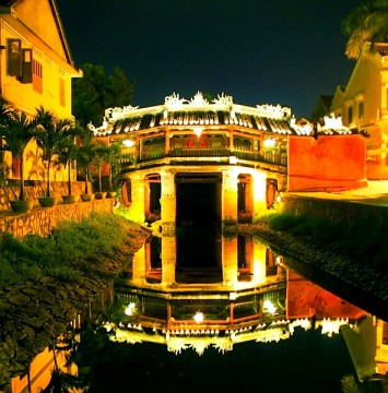 du lịch chùa cầu