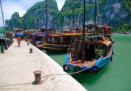 Tour du lich ha Long dulichcanhdieu