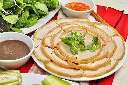 Bê thui cầu mống - kinh nghiệm du lịch Đà Nẵng