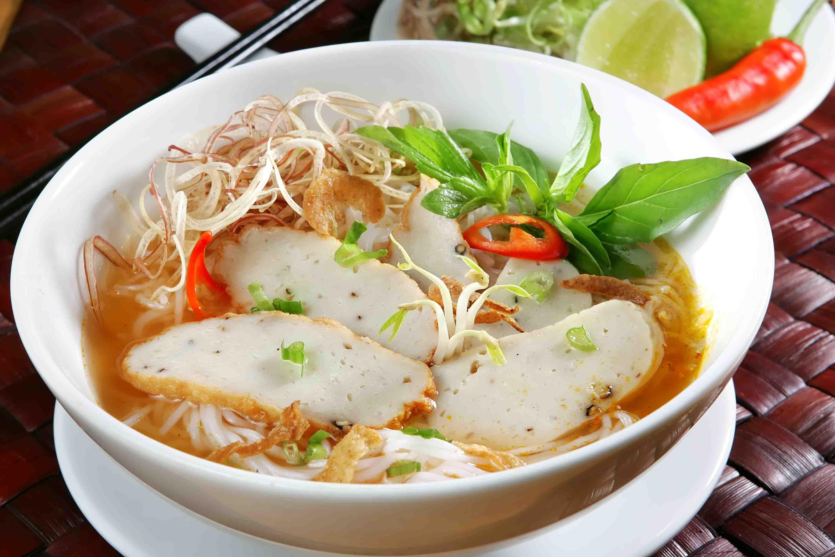 Bún chả cá - kinh nghiệm du lịch Đà Nẵng