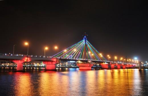 cầu sông hàn Các địa điểm du lich miễn phí ở Đà Nẵng