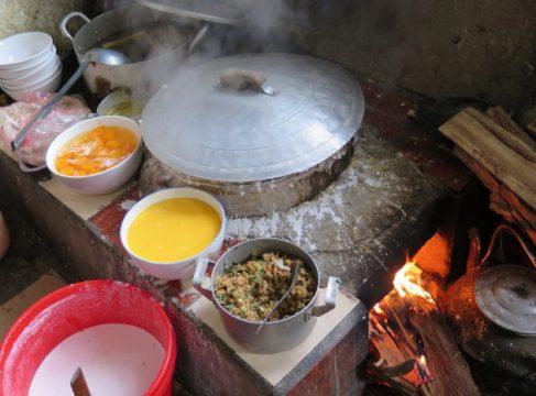 Cách làm bánh cuốn phố cổ Đồng Văn Hà Giang