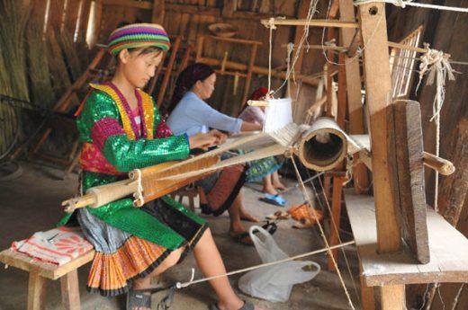 Dệt lanh truyền thống ở Hà Giang