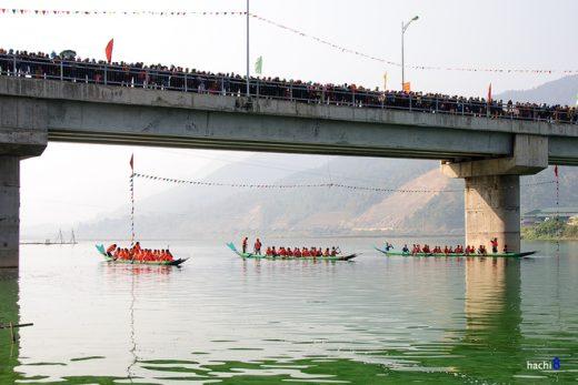 Lễ hội đua thuyền ở Sơn La