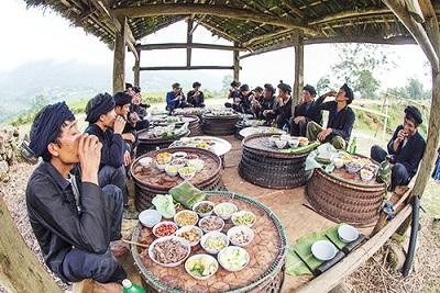 Phần hội : lễ hội trùm chăn của người Hà Nhì ở Lào Cai