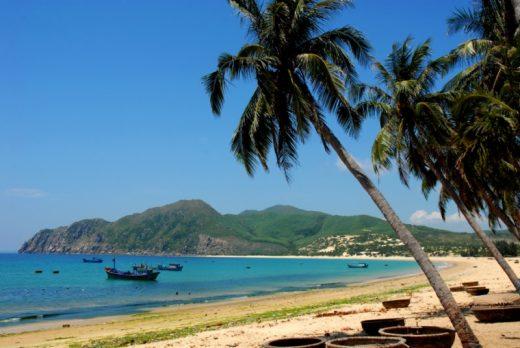 long thuy Biển Phú Yên