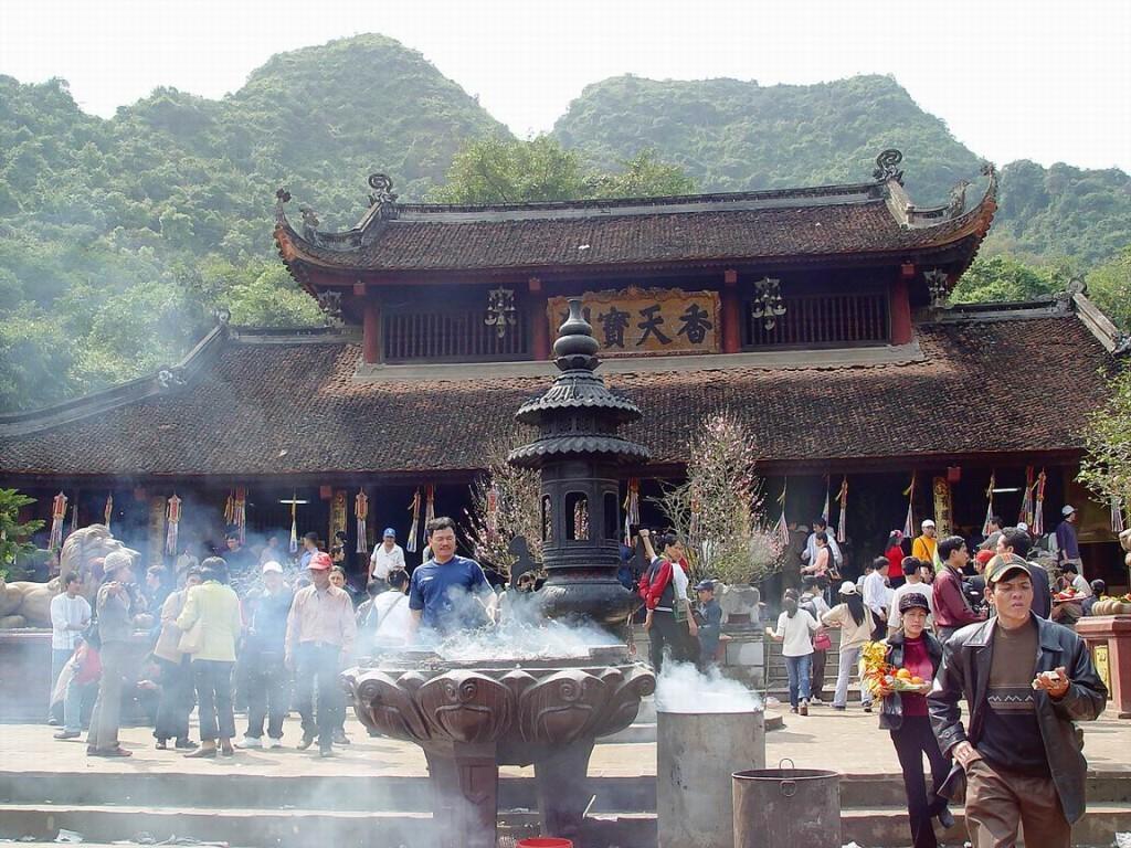 chùa thiên trù du lịch chùa hương