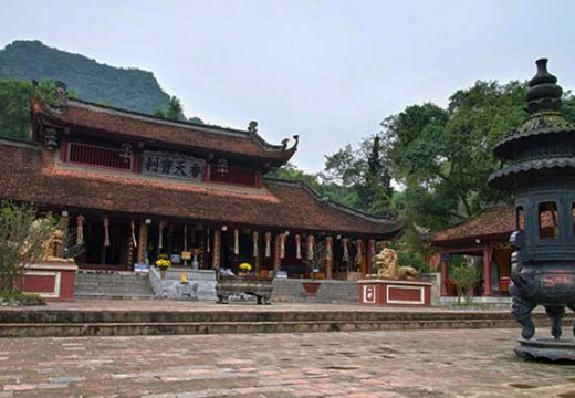Tour du lịch Hà Nội Chùa Hương 1 ngày