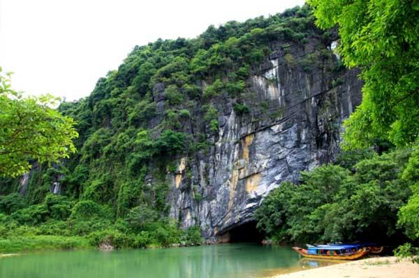 Tour du lịch Huế Động Phong Nha 1 ngày