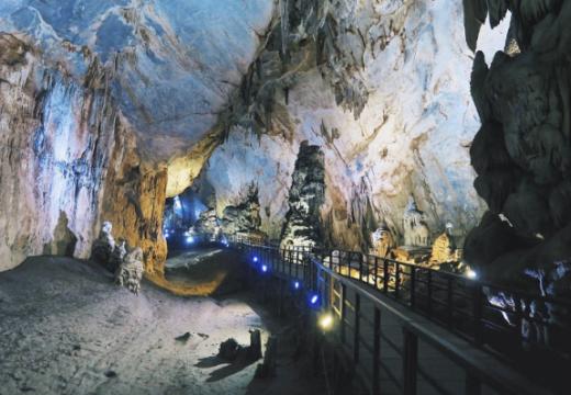 Tour du lịch Huế Động Thiên Đường 1 ngày