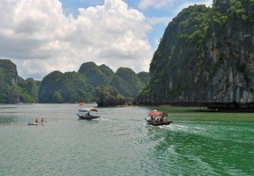 Vịnh Lan Hạ và Đảo Khỉ 2 điểm du lịch không thể thiếu khi đến Cát Bà